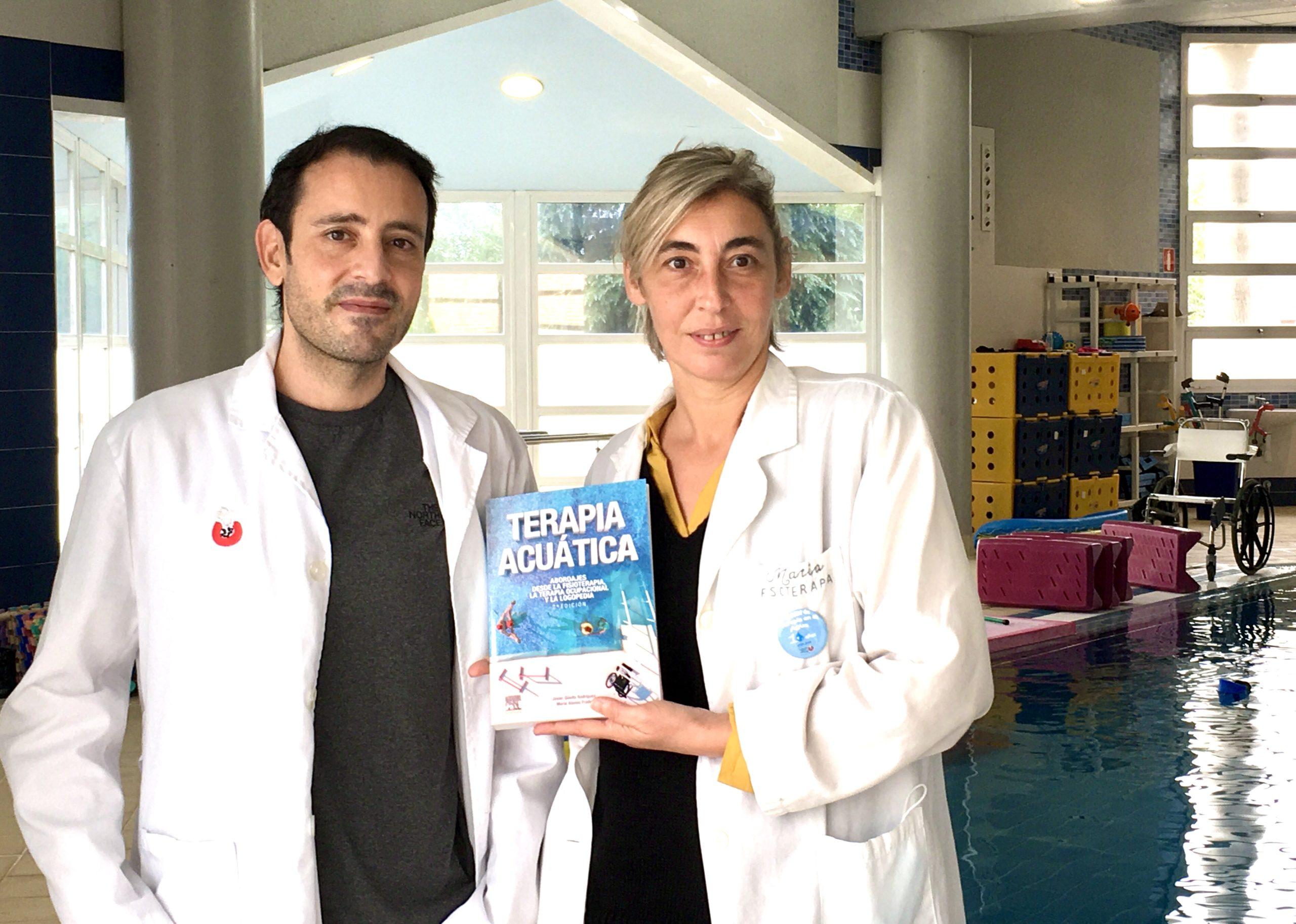 Los fisioterapeutas Javier Marcos y María Alonso